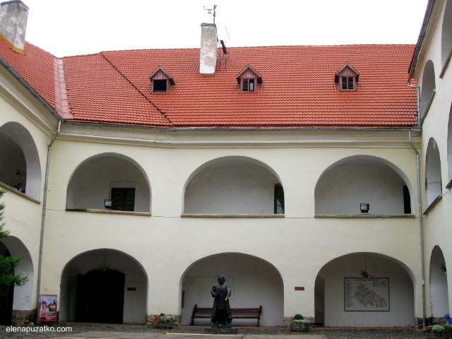 мукачівський замок паланок мукачево україна фото 16