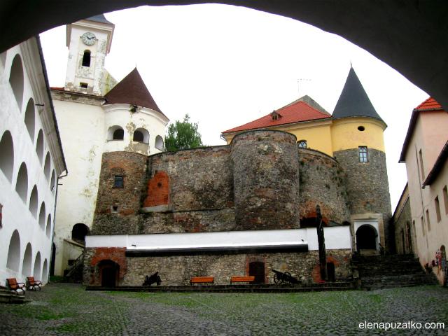 мукачівський замок паланок мукачево україна фото 14