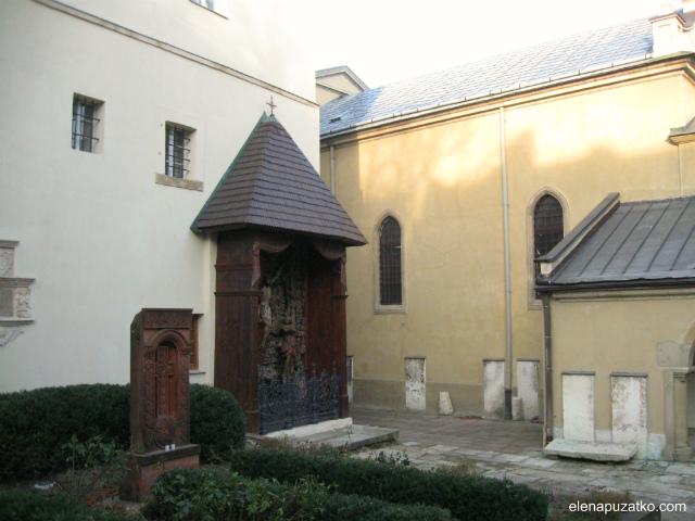 Армянский-Кафедральный-собор-4