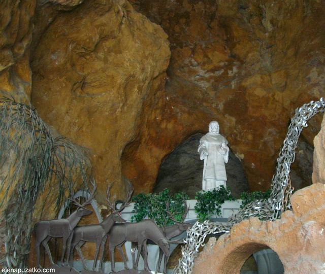 будапешт гора геллерт  угорщина фото 21