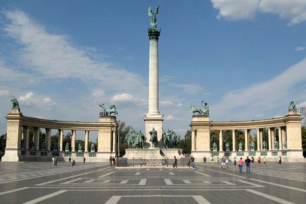 Прогулянка по Будапешту: Проспект Андраші, Площа Героїв, парк ...