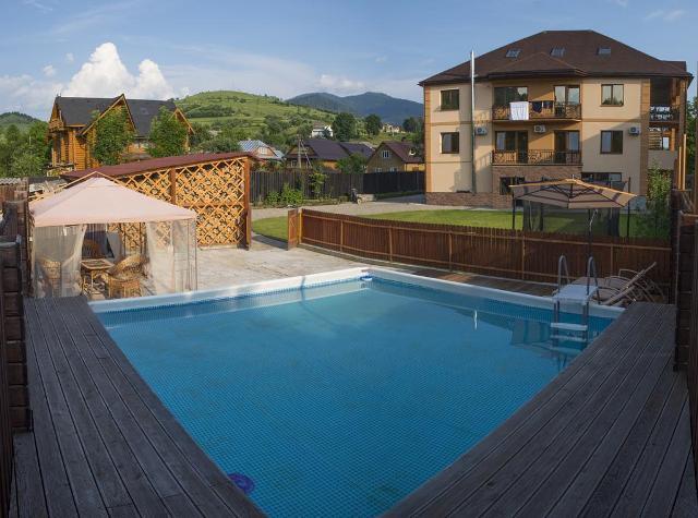 готелі закарпаття з басейном фото -1