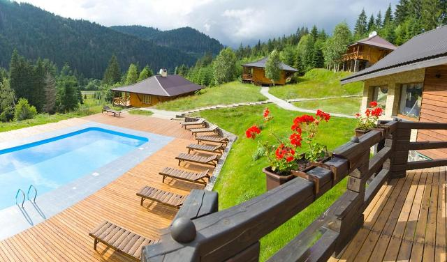 карпати готелі з басейном фото -8